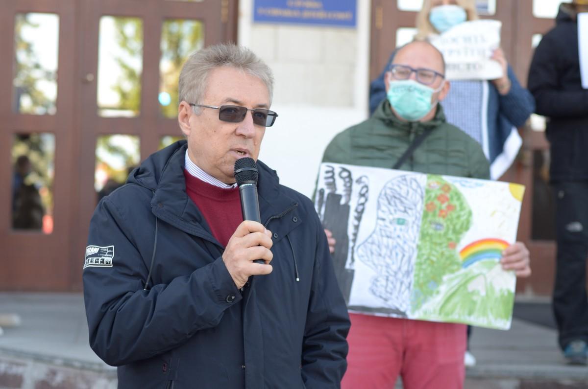 Юрій Жимайлов виступає на екологічній акції протесту