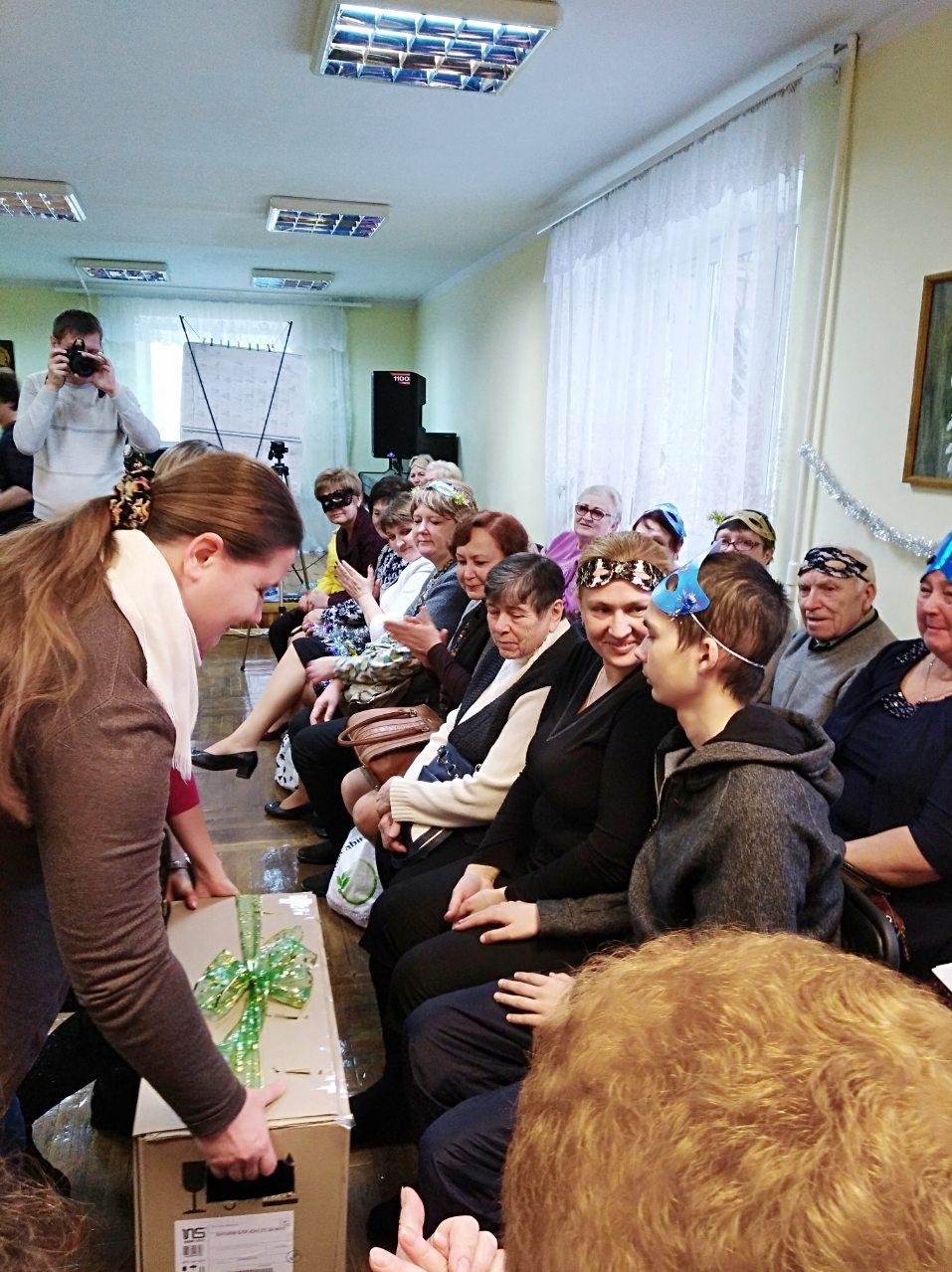 учні вітають Єгора Гороховського